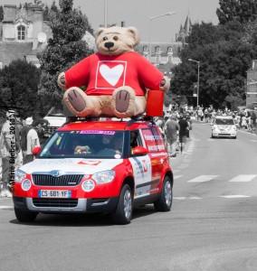 Caravane publicitaire : Mecenat cardiaque - Durtal - © Marie BIEBER - 2013